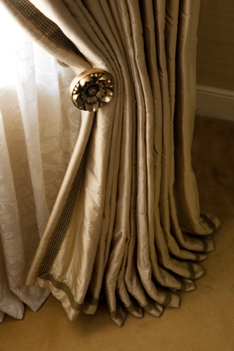 Faulkner interiors bespoke soft furnishings draperies for 1930s bay window curtains